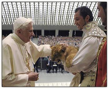 Pope_lion_cub2