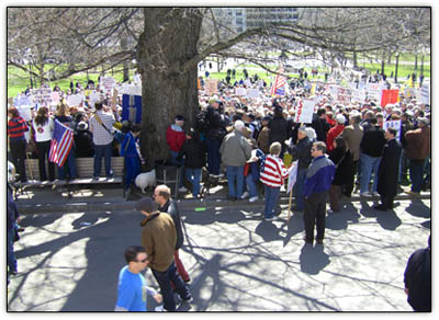 Teaparty_crowd