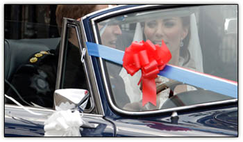 Royalwedding_car_couple