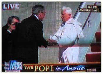 Gw_pope_handshake